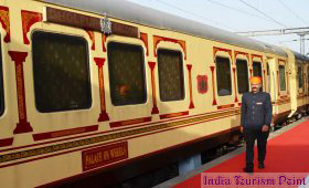 India Luxury Train Tourism Images