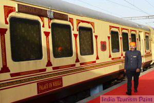 India Luxury Train Tourism Pic