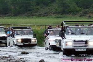 Jeep Safari Tourism Wallpaper