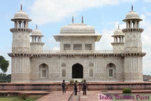 Taj Mahal Tour And Tourism Images