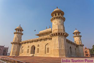 Taj Mahal Tour And Tourism Photo Gallery
