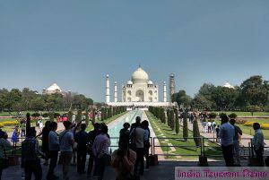 Taj Mahal Tourism Image Gallery